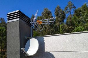 Antena de TV y telecomunicaciones